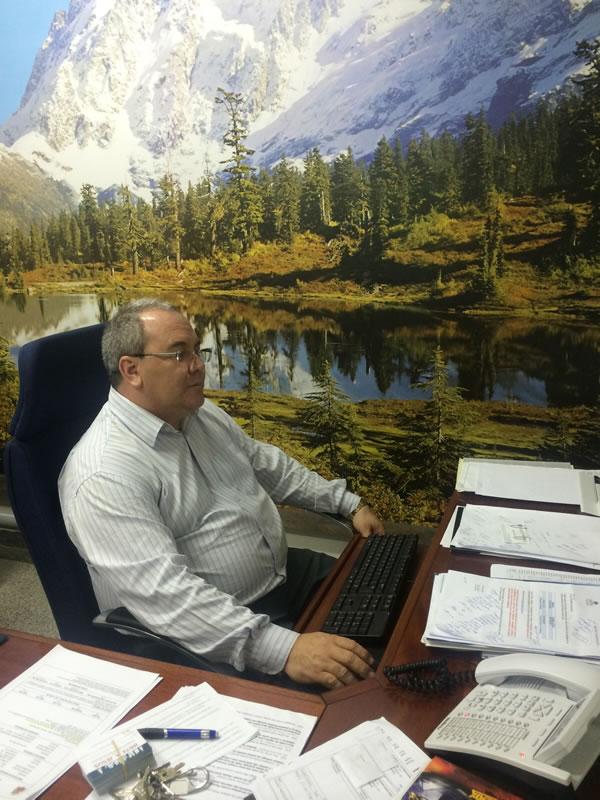 Luiz Rinaldo Diretor (1) - Plumas - Administraçao
