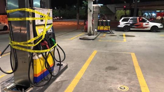 Farca Tarefa Faz Operacao - Plumas - Força-tarefa faz operação e fecha dois postos de combustíveis em Varginha, MG